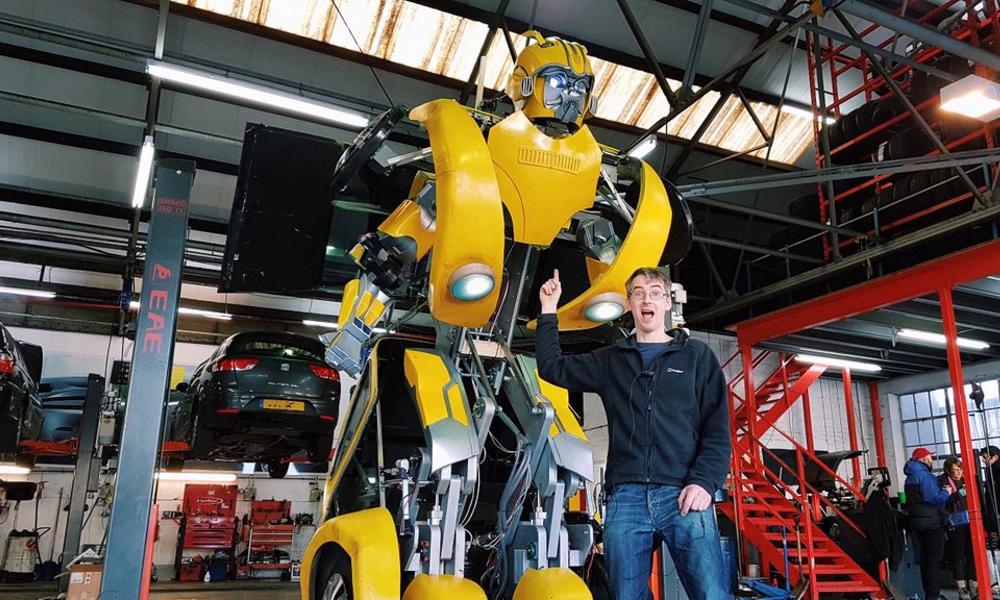 La voiture de cet Anglais se change en Transformer