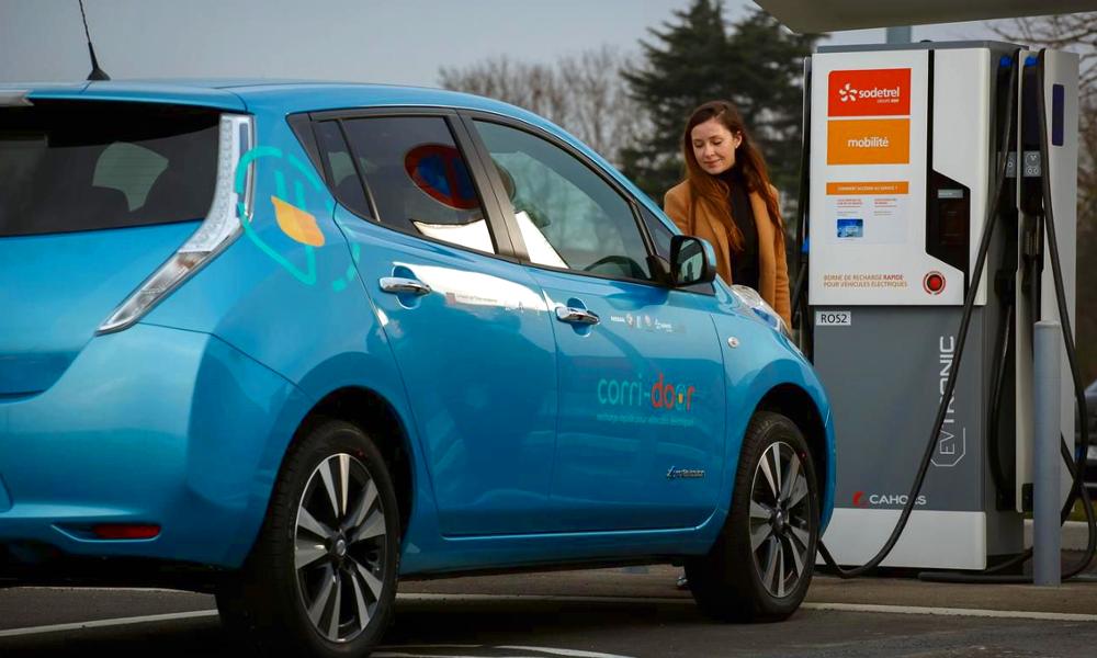 Si vous êtes client EDF, votre voiture électrique roulera gratuitement dès 2021