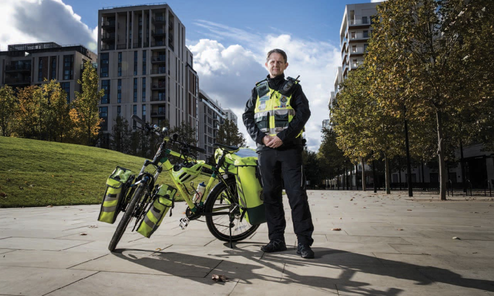 À Londres, ces ambulanciers à vélo sauvent des vies en 6 minutes