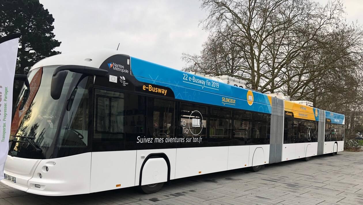 Nantes teste les bus électriques qui se rechargent en 15 secondes