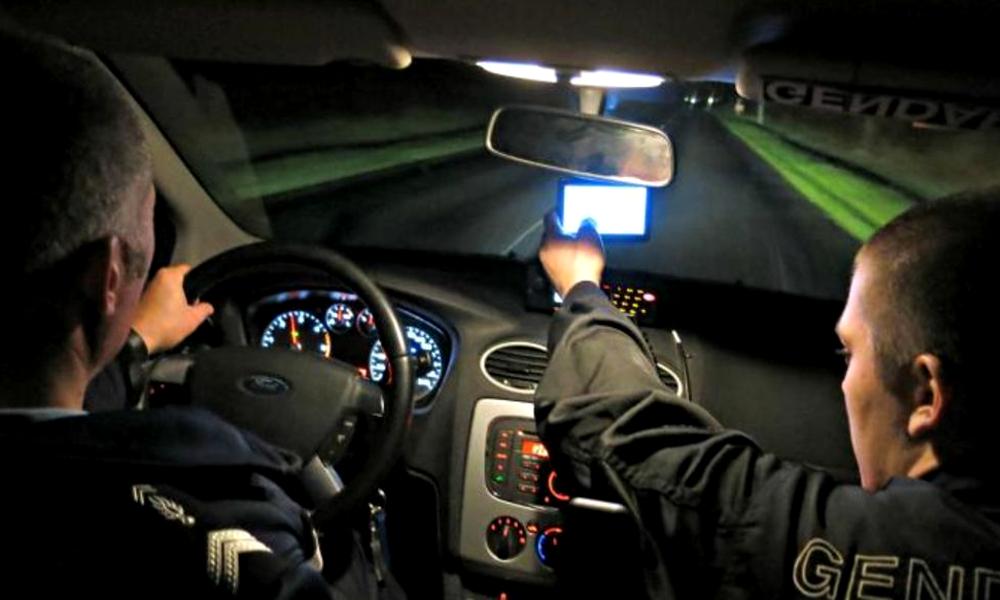 Bad news pour les insomniaques : les voitures-radars peuvent aussi flasher la nuit