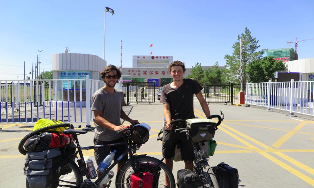 De Quimper à l'Asie, ces deux Bretons plaquent tout pour faire 19 000 km à vélo