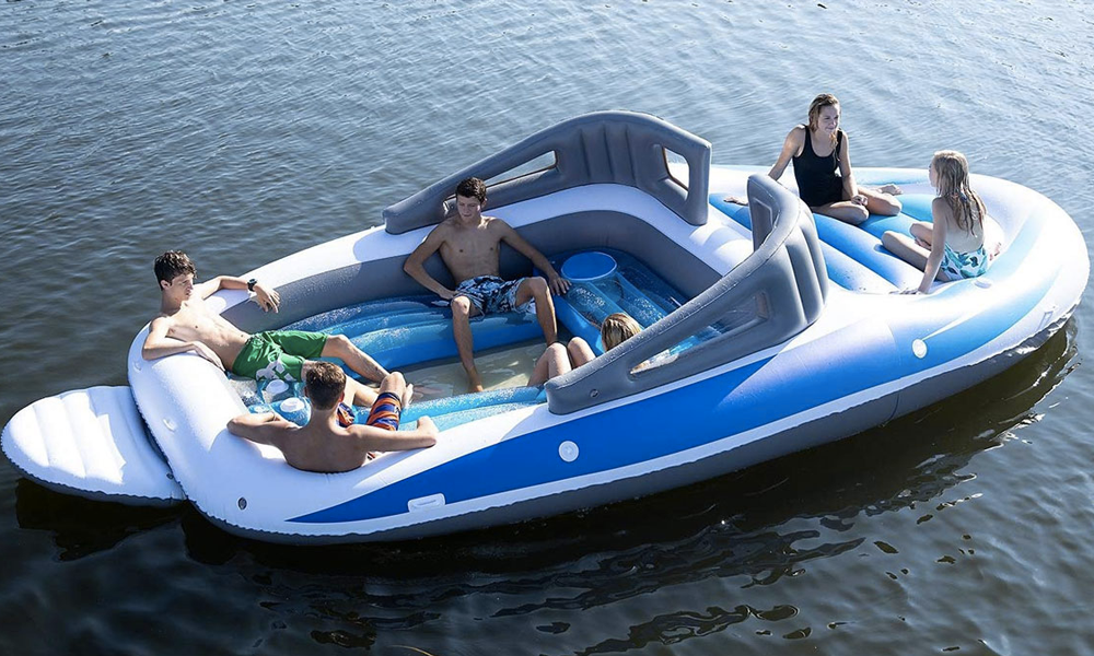 Ce yacht gonflable méga stylé est à vous pour 300 euros