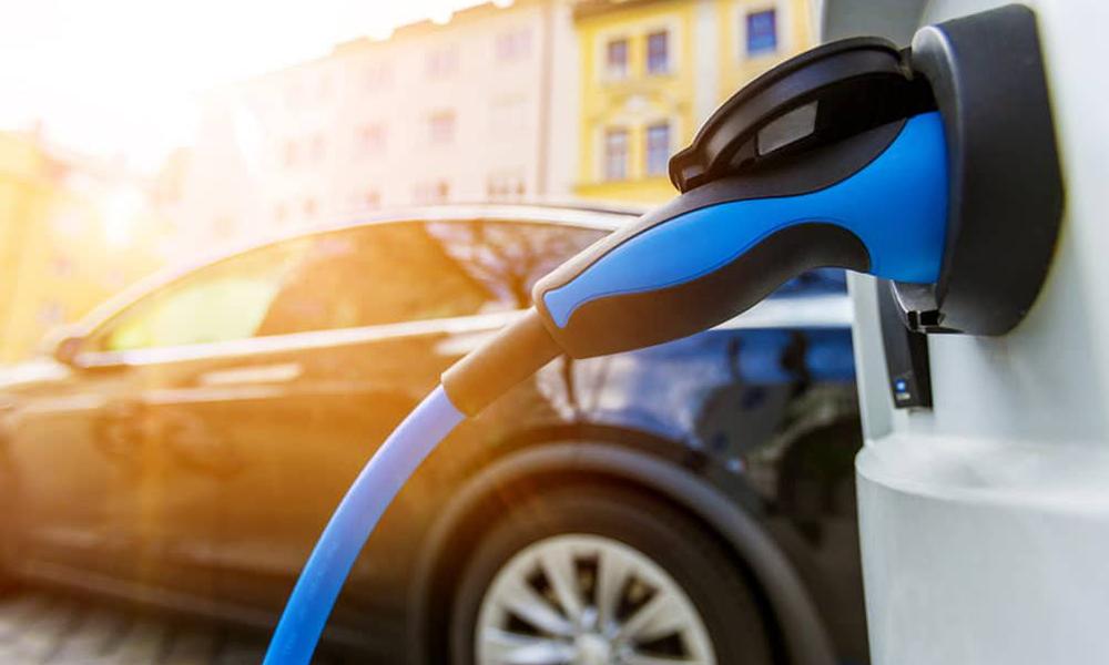 Pour 5000 €, cette startup transforme votre citadine en voiture électrique