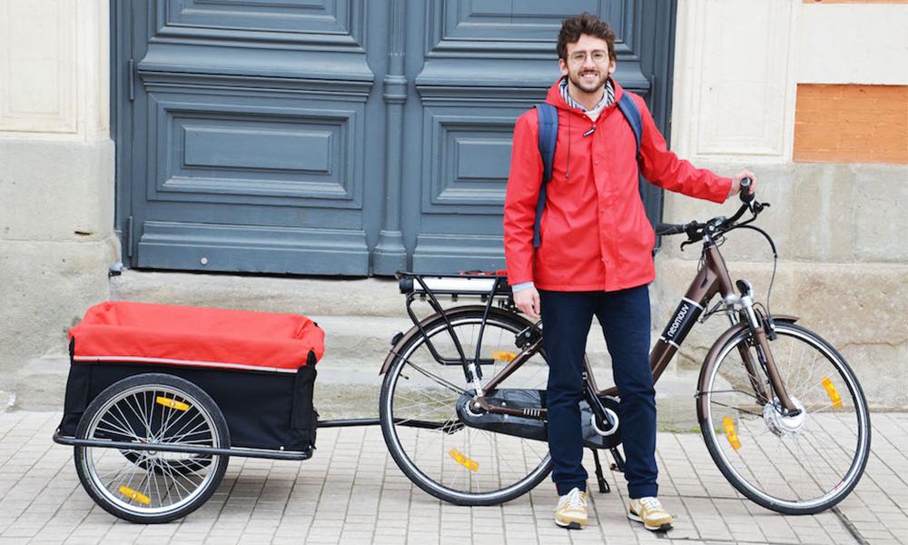 Pratique et propre : il lance un service d'ostéopathie à domicile et à vélo