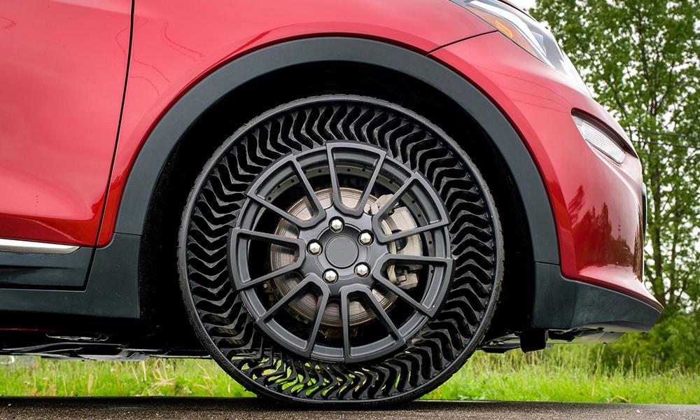 Plus jamais de cric : Michelin invente un pneu increvable