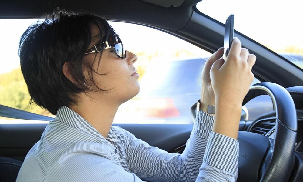 Cette appli vous paie si vous arrêtez de tripoter votre smartphone au volant