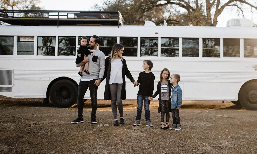 Cet été, grâce à Groupito, louez un bus avec chauffeur pour toute la famille
