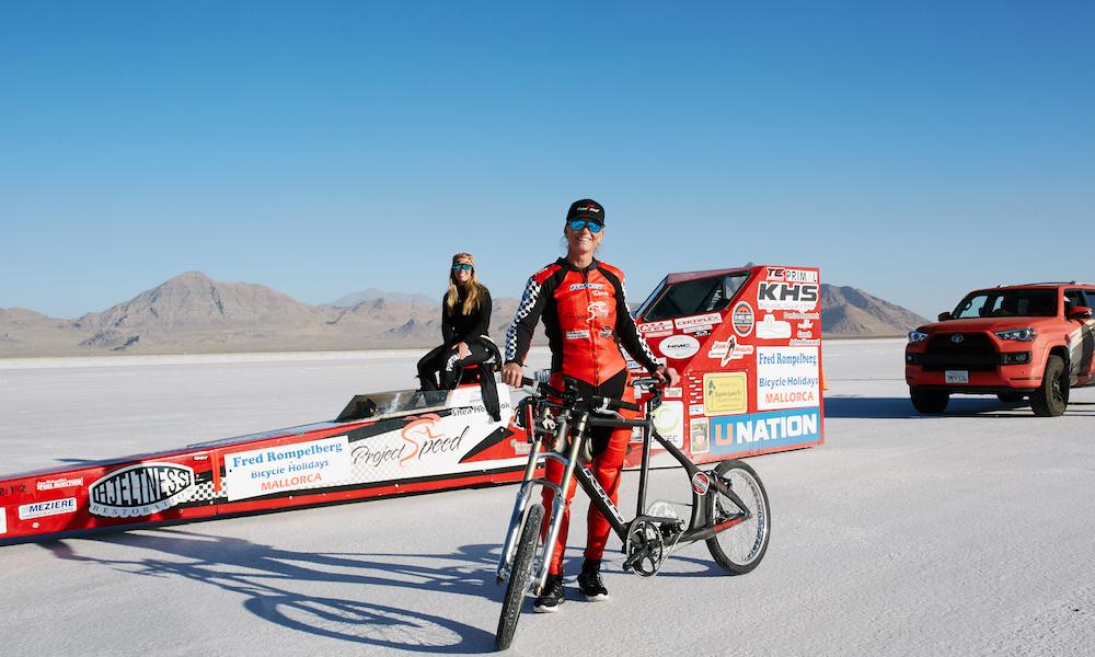294 km/h : voici la cycliste la plus rapide du monde