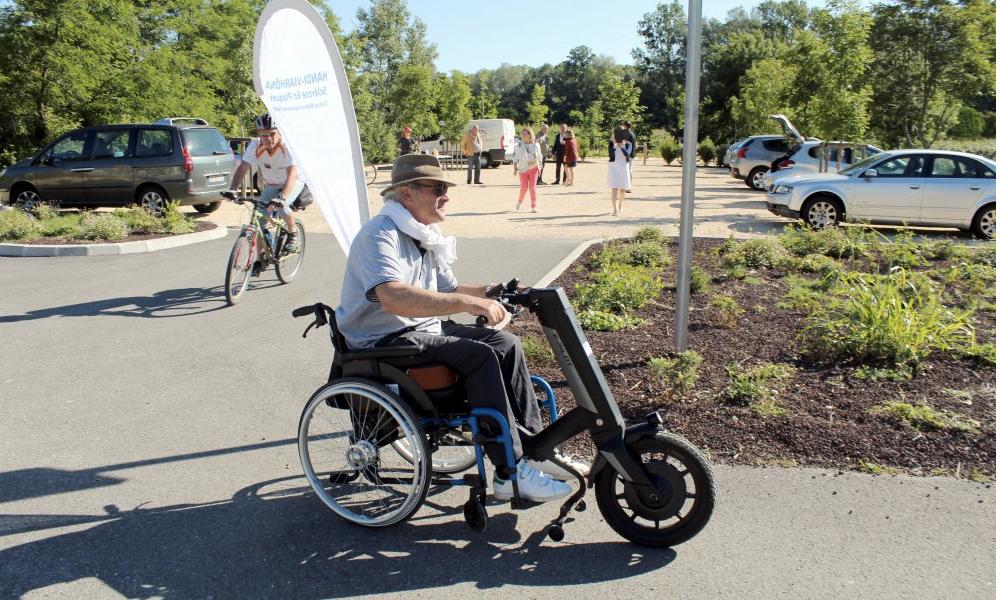 Ce Français a parcouru 815 km en fauteuil électrique pour lutter contre la sclérose en plaques