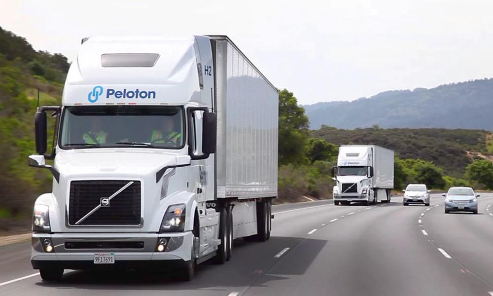 Peloton, un système pour conduire deux camions en même temps