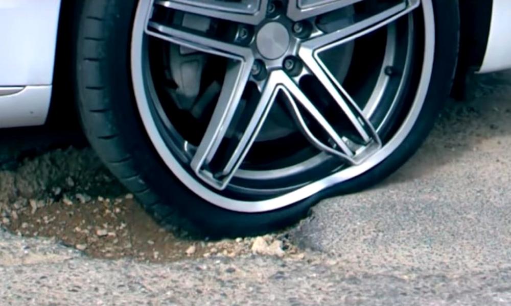 Cette roue flexible peut absorber tous les chocs de la route