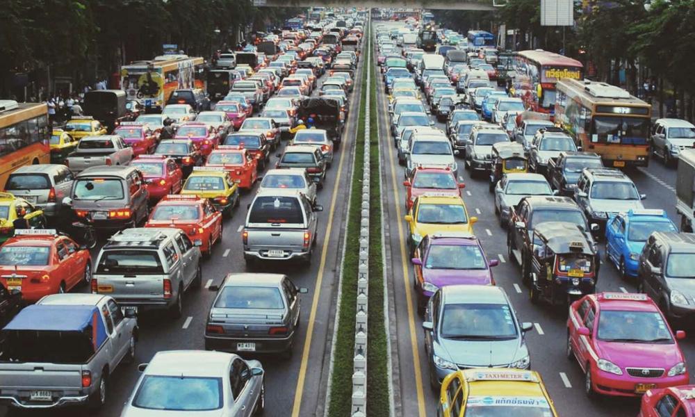 Construire des routes plus larges n'aide pas forcément à réduire les embouteillages