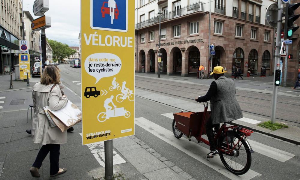 """Grâce aux """"vélorues"""", les cyclistes prennent enfin le contrôle de la route"""