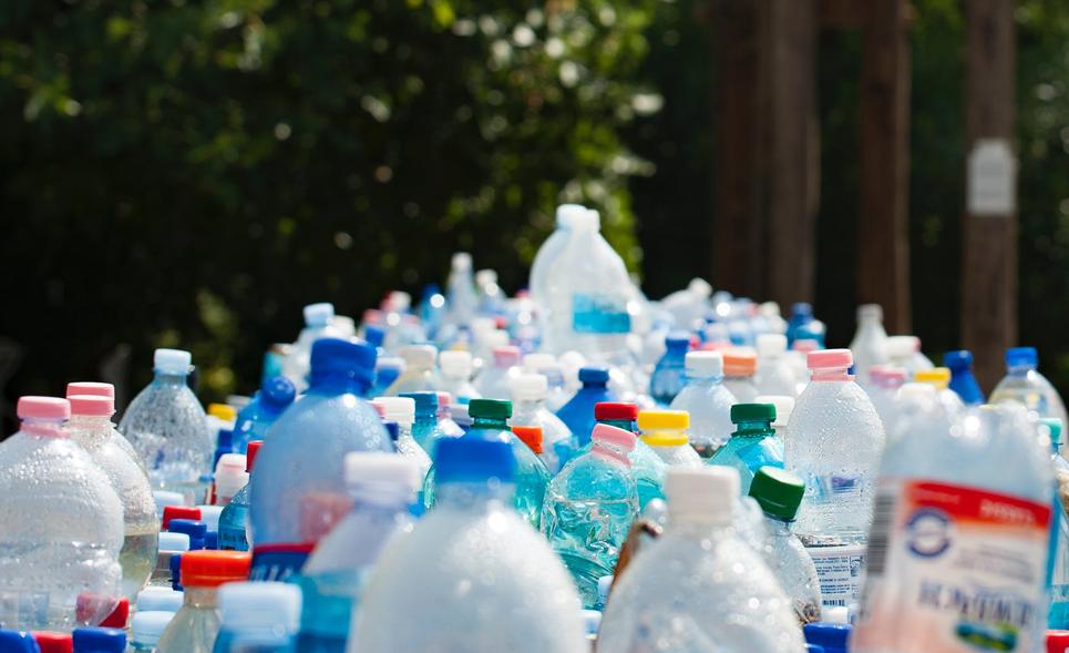 Arles, première ville de France à interdire les bouteilles plastiques ?