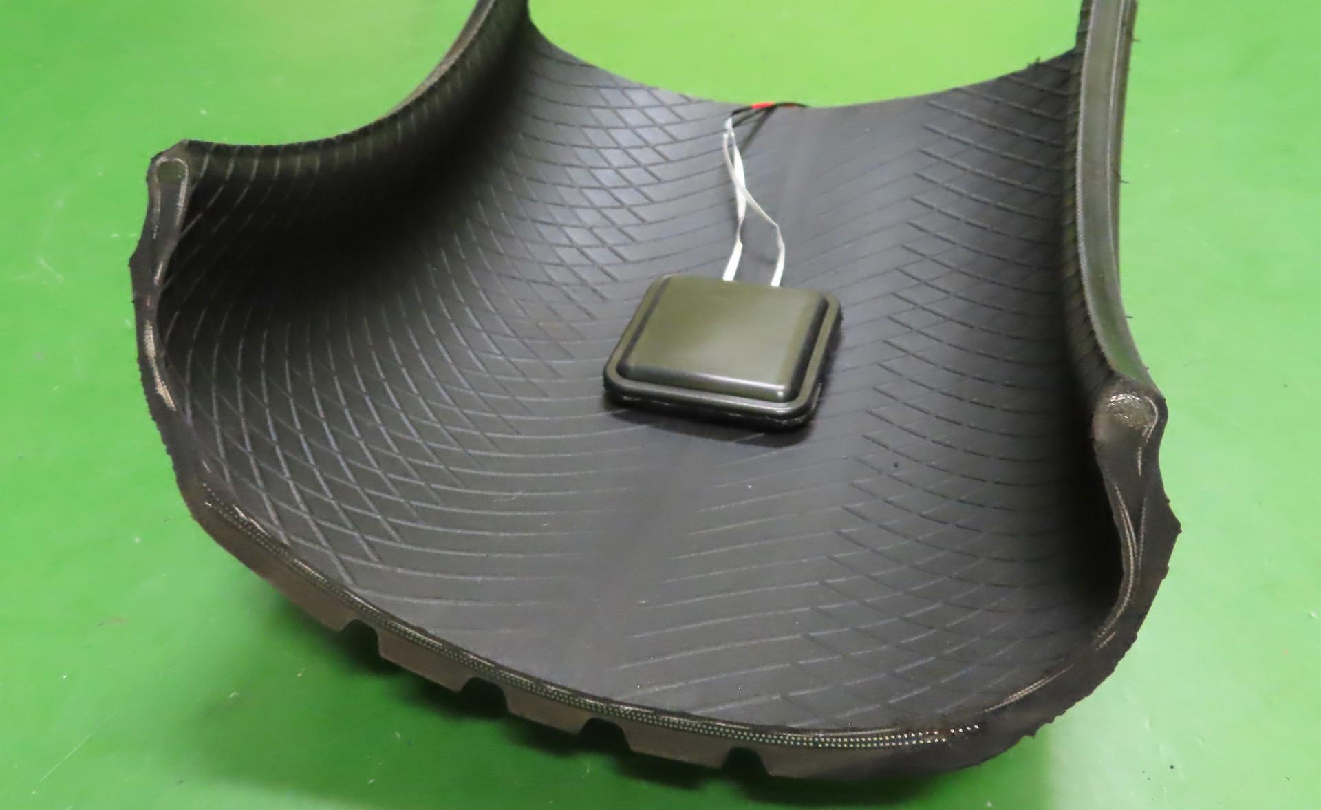 Des Japonais inventent un pneu connecté qui recharge votre batterie