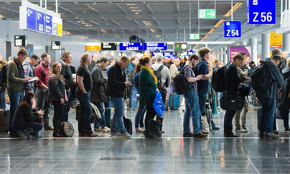 Pollution aérienne : le nombre de passagers va doubler d'ici 2040