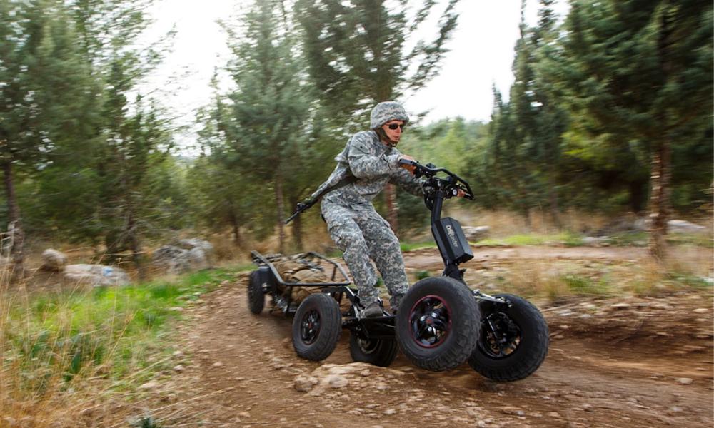 Ça va trop loin : voici la première trottinette électrique pour les militaires