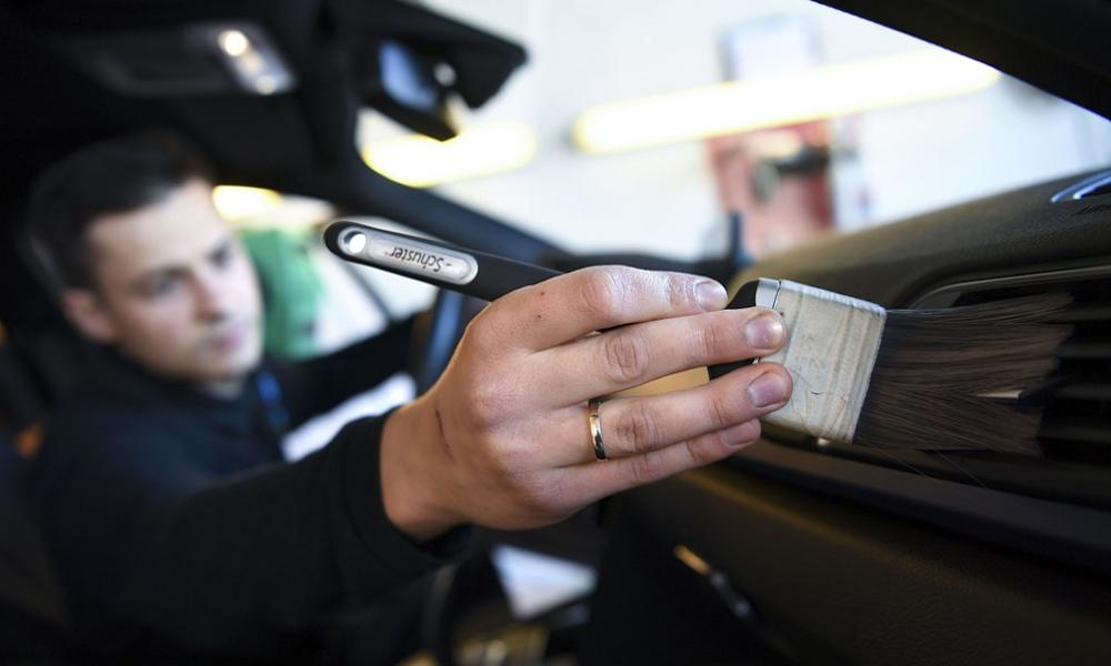 Au Danemark, un abonnement illimité pour faire bichonner sa voiture à la main