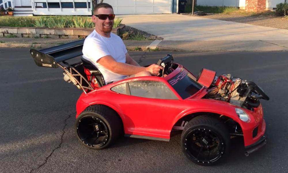 L'instant Jackass : installer un moteur de moto sur une voiture pour enfant