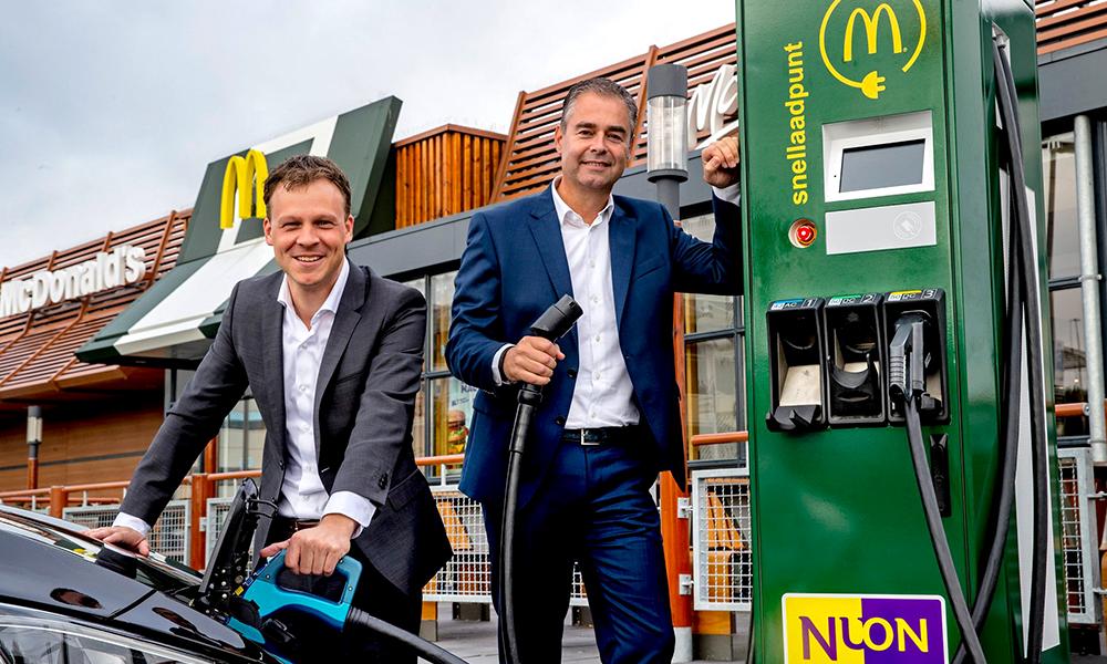 Première mondiale : les McDo suédois installent des bornes de recharge sur les parkings