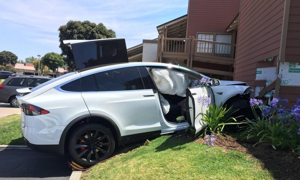 Les voitures électriques sont-elles plus dangereuses que les modèles à essence ?