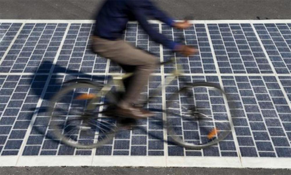 L'Île-de-France inaugure (enfin) sa première piste cyclable solaire