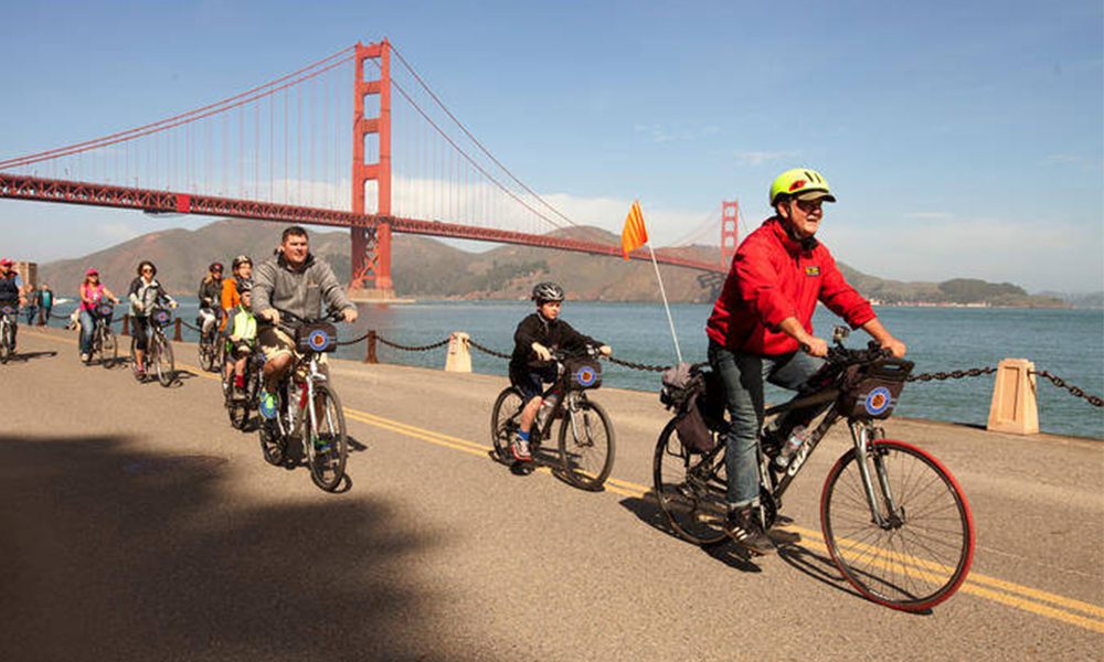 En Californie, les vieilles voitures polluantes peuvent être échangées contre un vélo électrique
