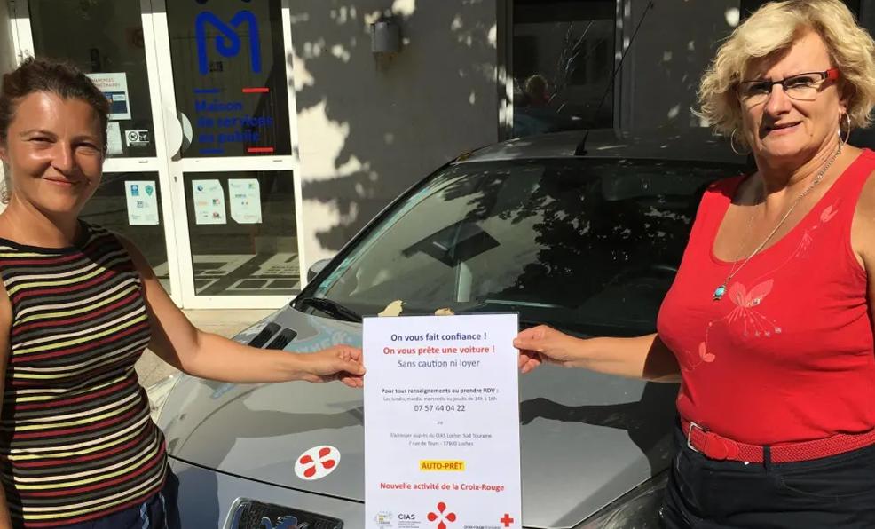 À Loches, la Croix-Rouge propose une belle paire de voitures à louer gratuitement