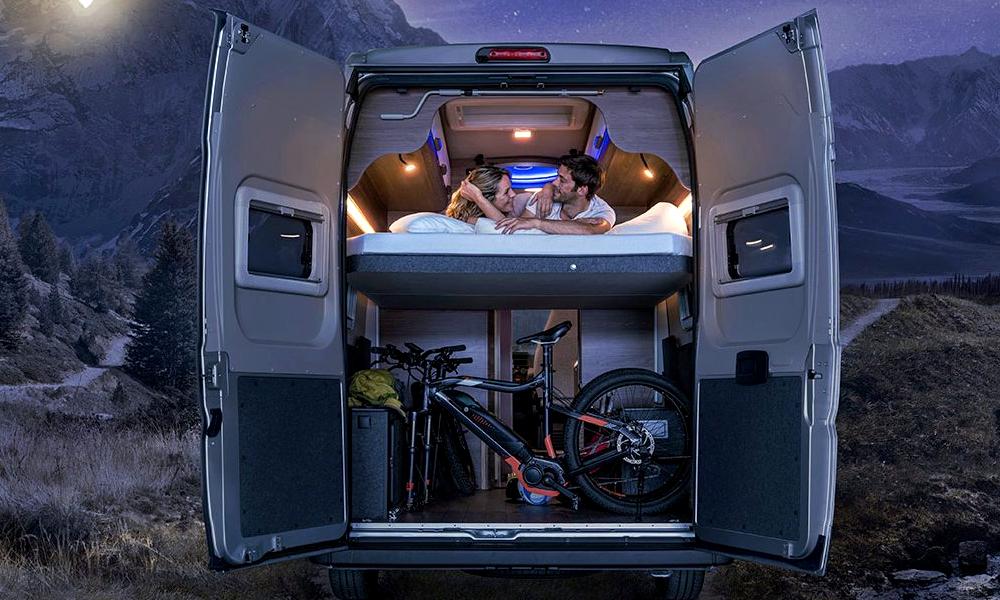 Jamais sans mon vélo : dans ce van on peut dormir avec
