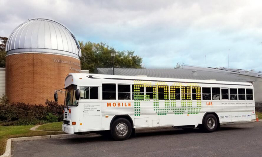 Ce gros bus enseigne aux enfants américains comment mieux manger