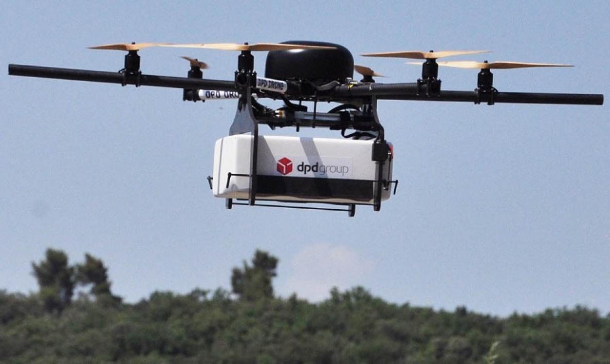 Adieu les facteurs : la Poste teste la livraison par drone