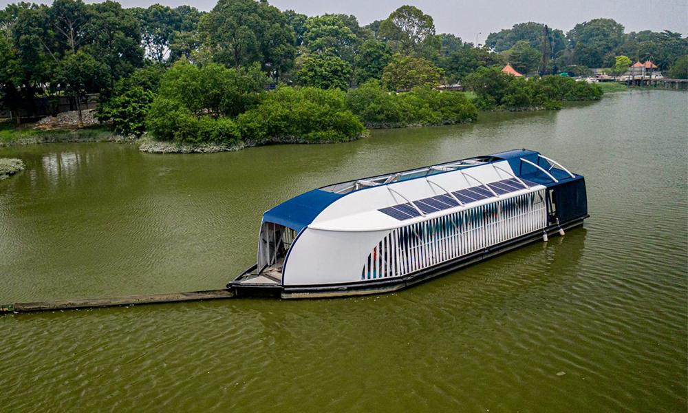 Ce bateau écolo avale les déchets plastiques des rivières