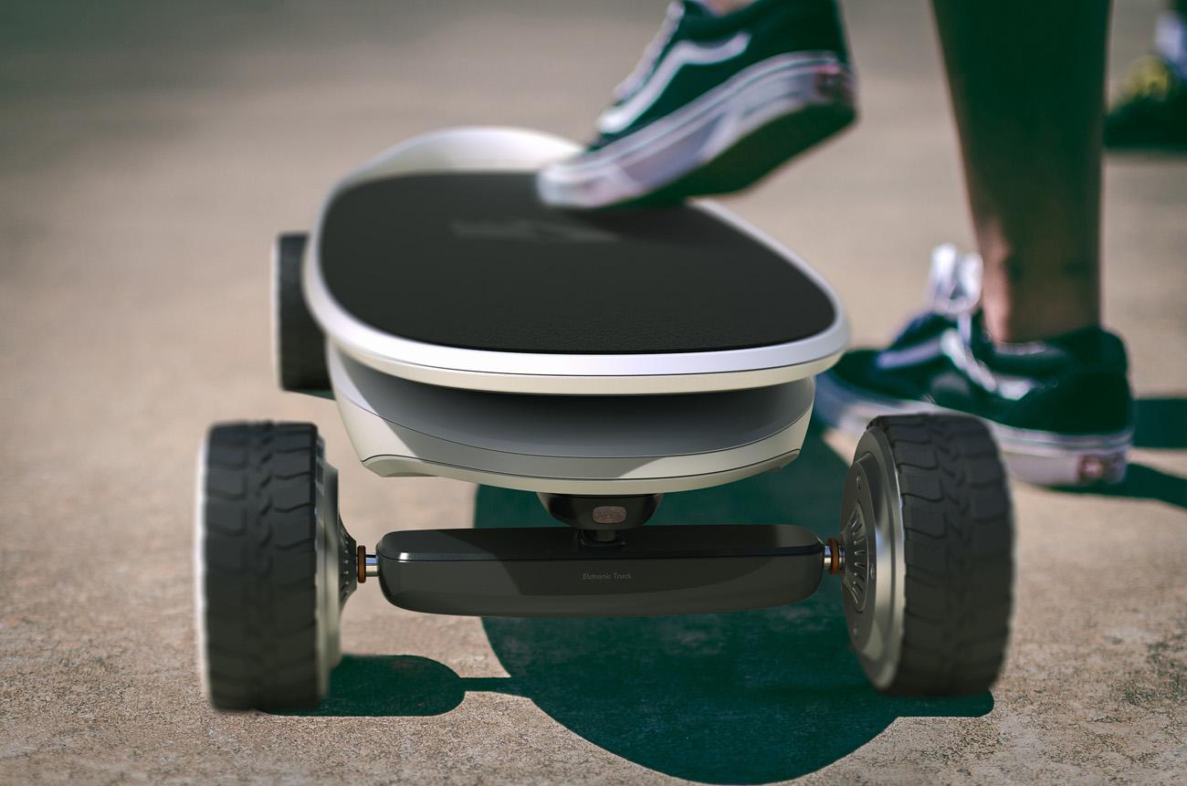 Entre deux rides, ce skateboard électrique se transforme en sac à dos