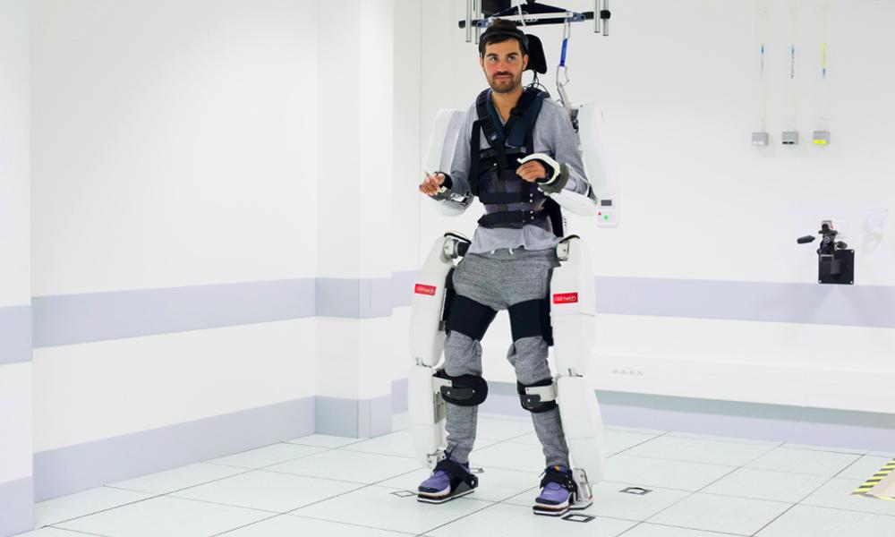 Cet exosquelette pourrait permettre aux tétraplégiques de remarcher