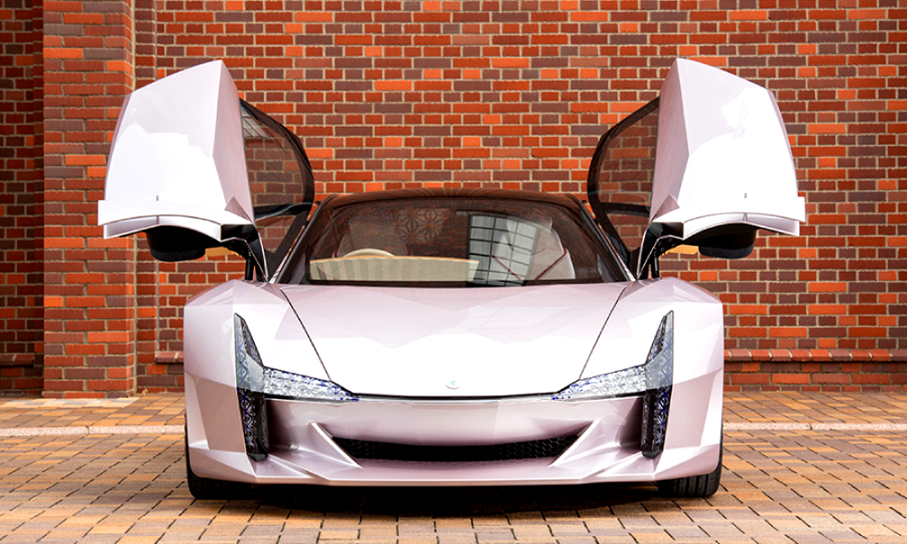 Incroyable, cette voiture est construite… en bois