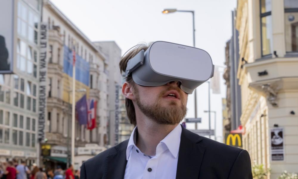 Piétons, enfilez un casque: la réalité virtuelle va briser la routine de vos trajets