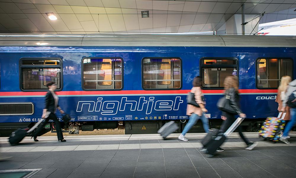Moins polluant que l'avion, le train de nuit fait son retour en force