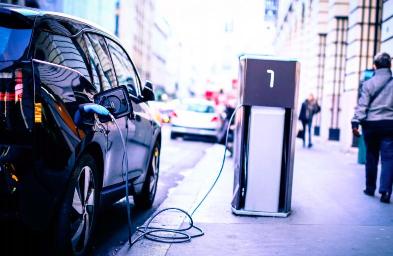 Avec Freshmile, bientôt des stations de recharge disponibles à chaque coin de rue ?