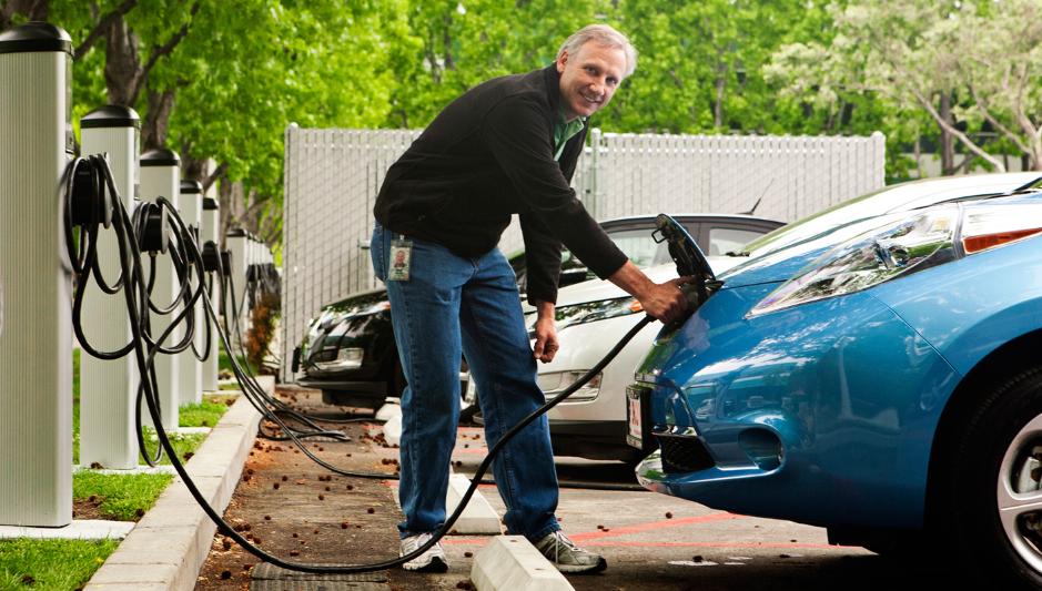 Près de la moitié des Français disent vouloir acheter une voiture électrique