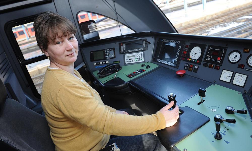 Après 75 ans d'interdiction, les femmes russes vont pouvoir conduire les métros