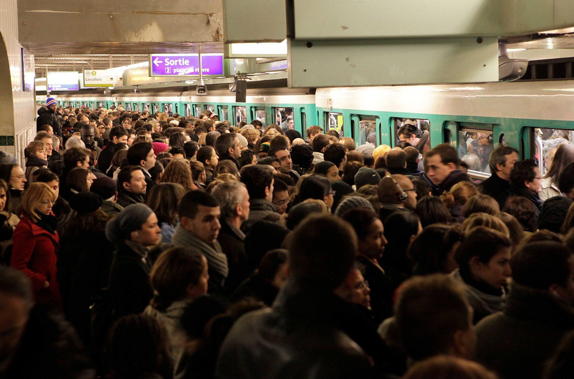 Malgré les grèves, les Français n'ont jamais autant pris les transports en commun