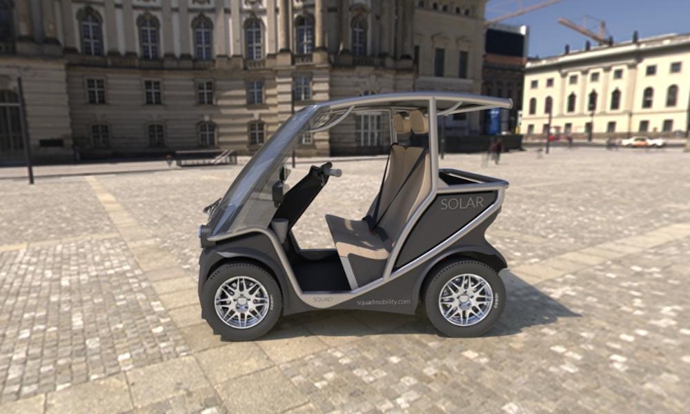 Cette micro voiture solaire peut vraiment se garer partout