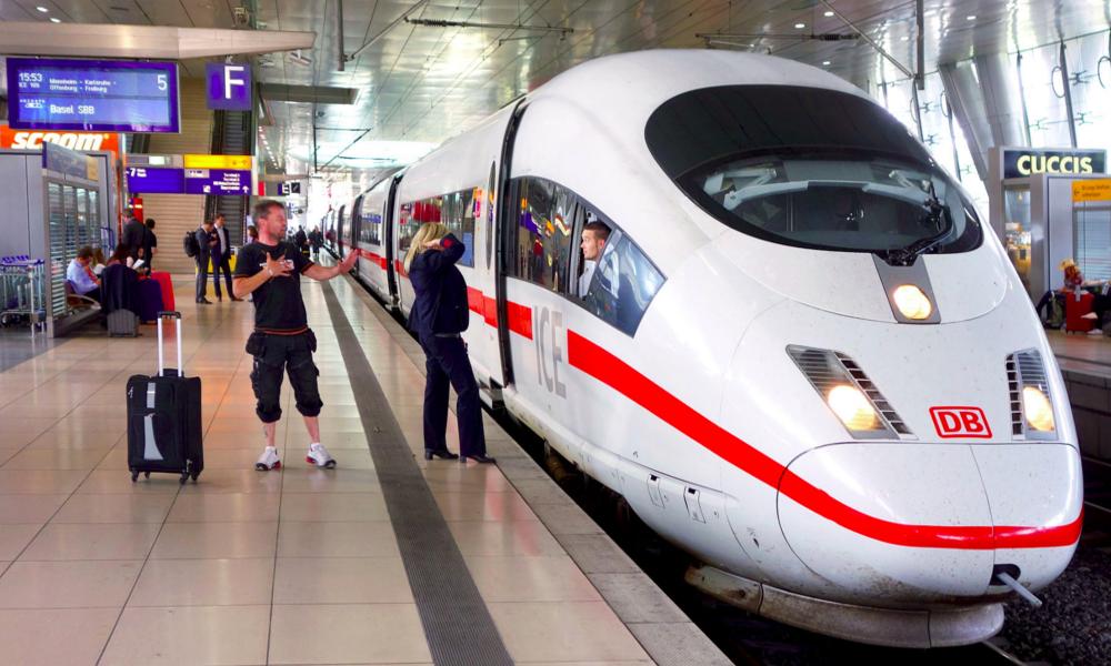 Pour réduire la pollution, l'Allemagne baisse le prix des billets de train de 10%