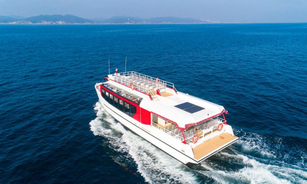 À Annecy, les salariés vont aller au boulot sur ce bateau hybride