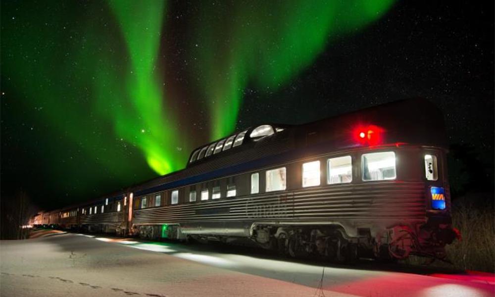 Envie de voir des aurores boréales ? C'est la spécialité de ces compagnies de train