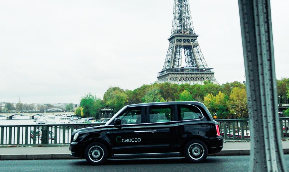 """Les """"black cabs"""" électriques de Caocao débarquent à Paris"""