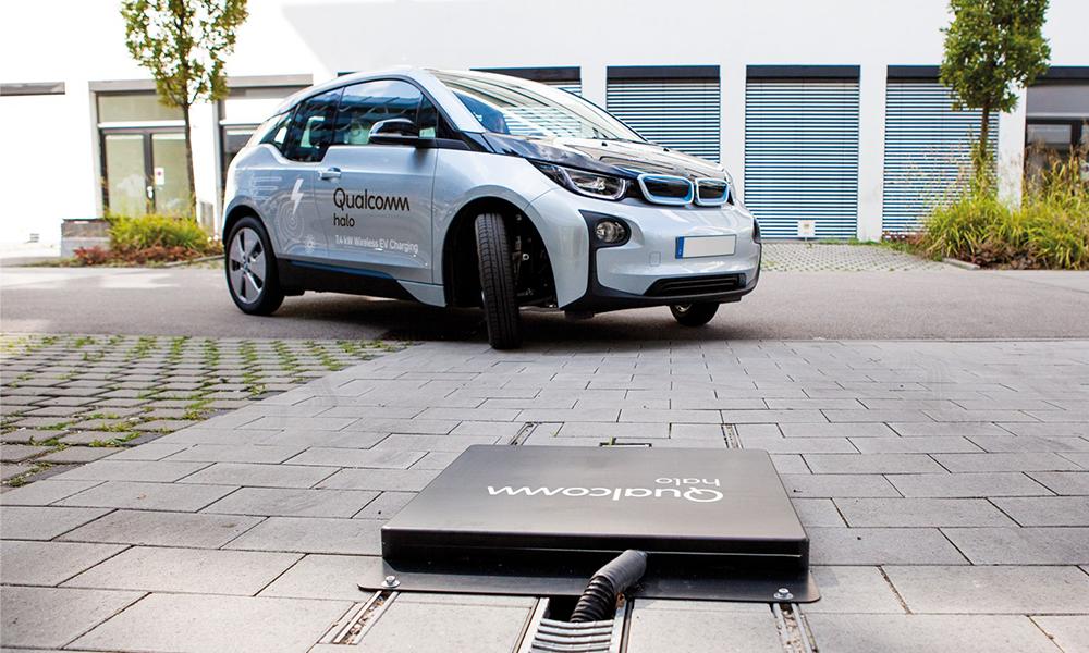 L'Angleterre veut booster la voiture électrique avec l'installation de chargeurs sans fil partout