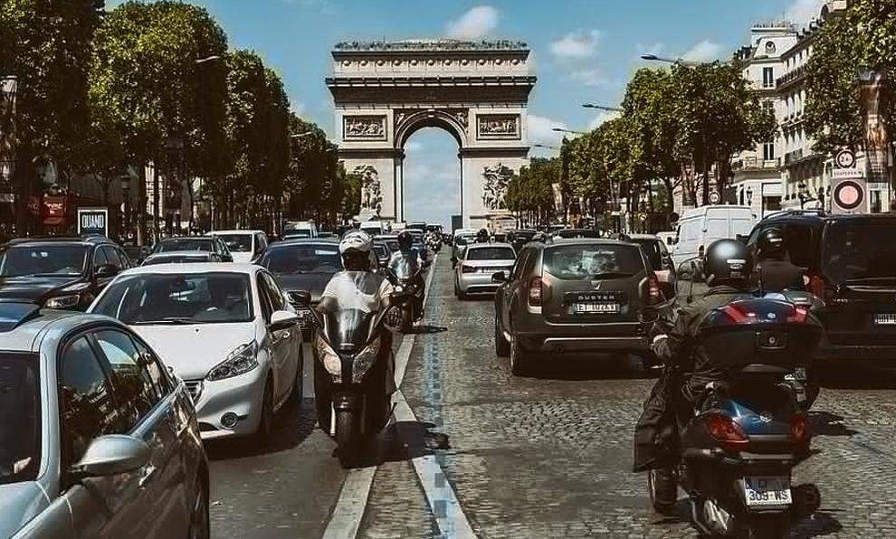 Pollution : en 2030, 99% des voitures ne pourront plus rouler dans Paris