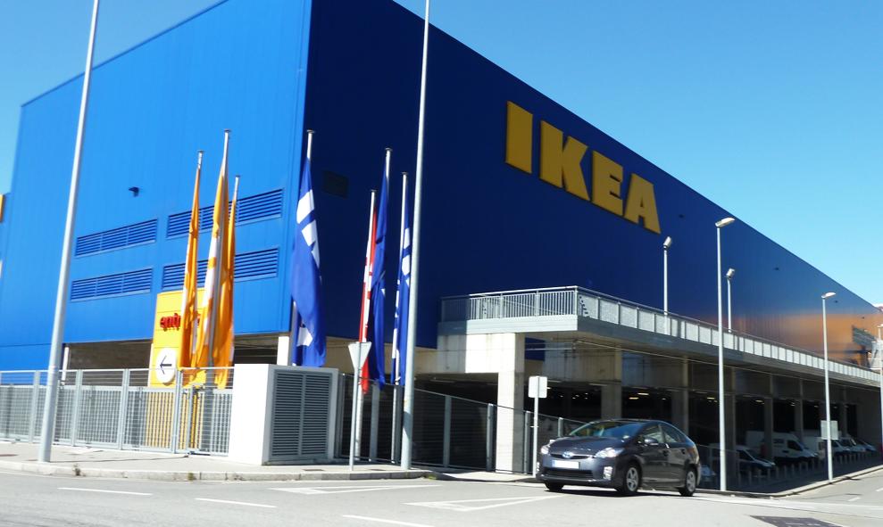 Dans cet IKEA, on vous offre des meubles si vous venez de loin